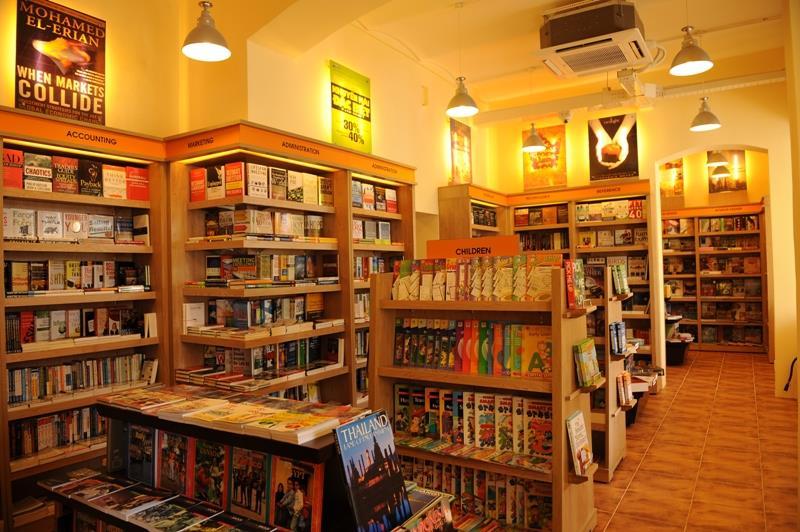 Mở cửa hàng sách báo