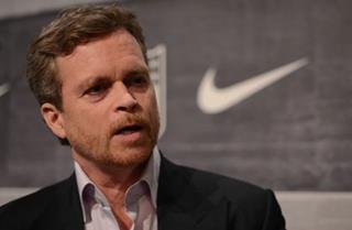 CEO Nike: Đọc sách kinh doanh chỉ tốn thời gian