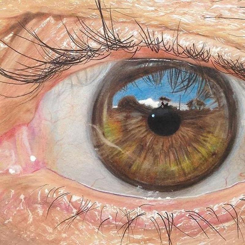 Nam sinh gây sốt với khả năng vẽ mắt thật như 3D